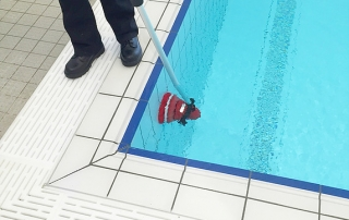 MotorScrubber Cleaning Dirty Pool